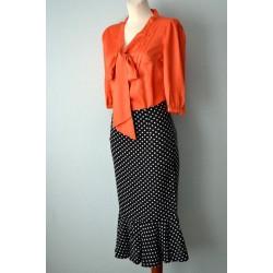 Lipsu ja poolvarrukatega oranž siidpluus