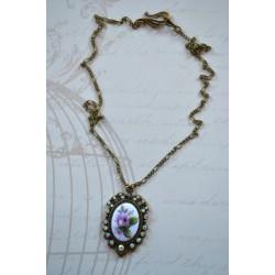 Kristallide ja Vintage stiilis roosikameega kaelakee