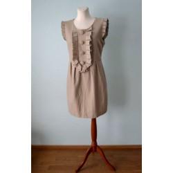Suurte nööpide, ilma varrukateta ja pliseerkaunistustega beež villane kleit