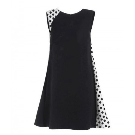 Must täpiliste valgete osadega kleit