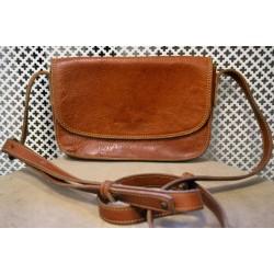 Brown leather shoulderbag
