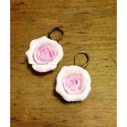 Roosade roosidega kõrvarõngad