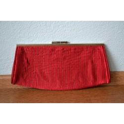 Punasest kangast triibuline õhtukott