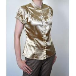 Eest nööpidega ja lühikeste varrukatega kuldne pluus