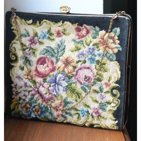 Roositikanditega kandiline vintage kott