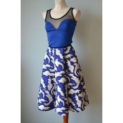 1950ndate stiilis valgete laikudega sinine seelik