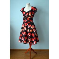 Roosade tassikookidega 1950ndate stiilis must kleit