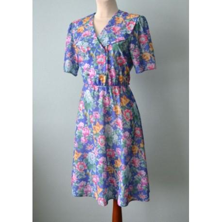 Lillemustriline 1940ndate stiilis kleit