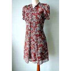 Nööpidega lilleline punane õhuline kleit