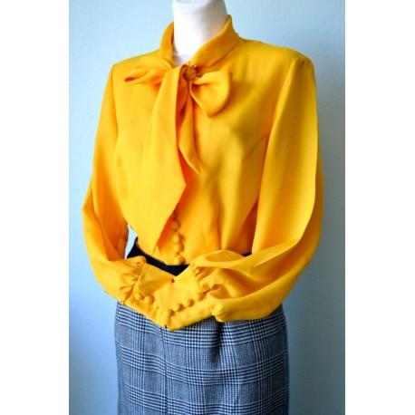 Lipsu ja nööpidega kollane pikkade varrukatega vintage pluus