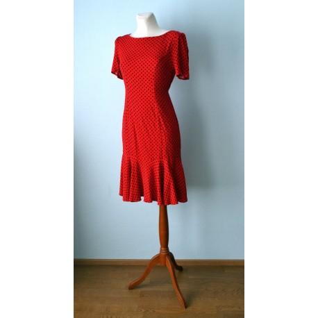 b1e564605a8 Volangilise allääre ja mustade täppidega punane 1950ndate stiilis kleit