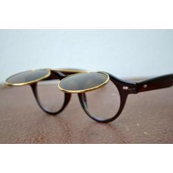 Pruunide ümmarguste raamide ja topelt klaasidega vintage prillid