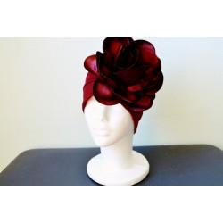 Massiivse roosiga veinipunane 1920ndate stiilis turban