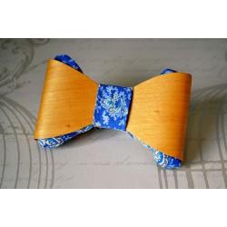 Sinise kangaga naturaalset tooni puidust kikilips