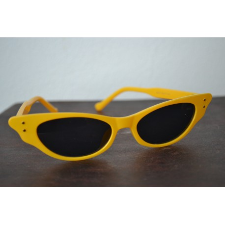Kollased kitsa raamiga vintage stiilis prillid