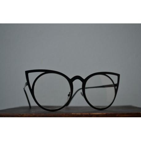 Kassikujuliste raami ja nullklaasiga prillid