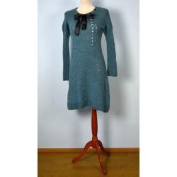 Musta lipsuga pikavarrukaline villane sinine kleit