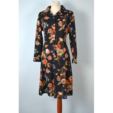 Kolmnurkkrae ja mustade nööpidega lillemustriline vintage kleit