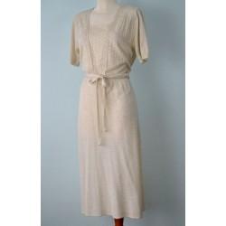 Pitsiga kaunistatud lühikesevarrukaline villane valge vintage kleit
