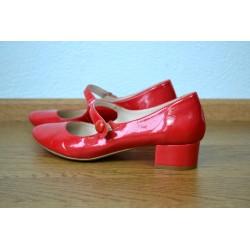 Punased vintage kingad