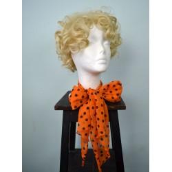 Oranž mustade mummudega sall